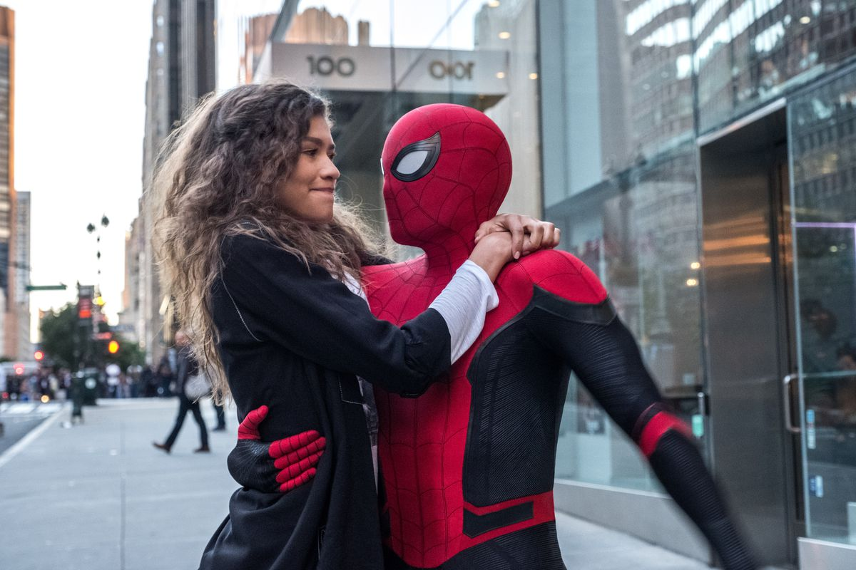 spider_man_far_from_home_DF_28400_rv2.0